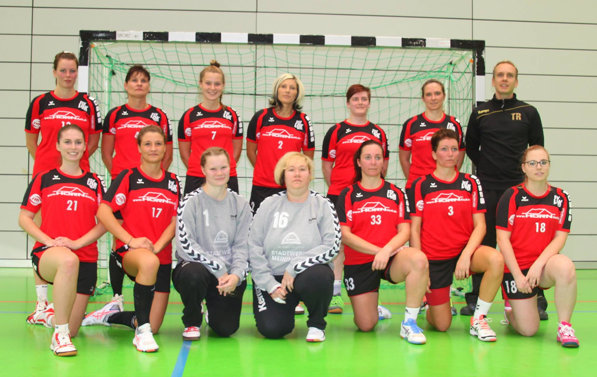 Zur Frauenmannschaft